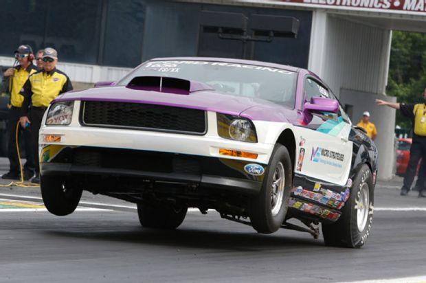 Mustang in Race